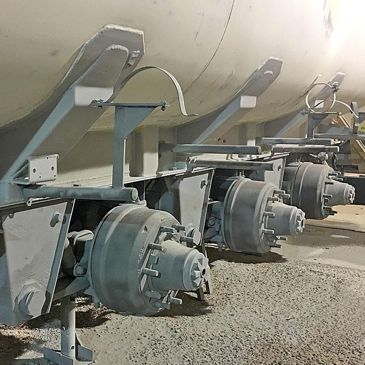 Mantenimiento y reparación de sus equipos, cisternas, hormigoneras