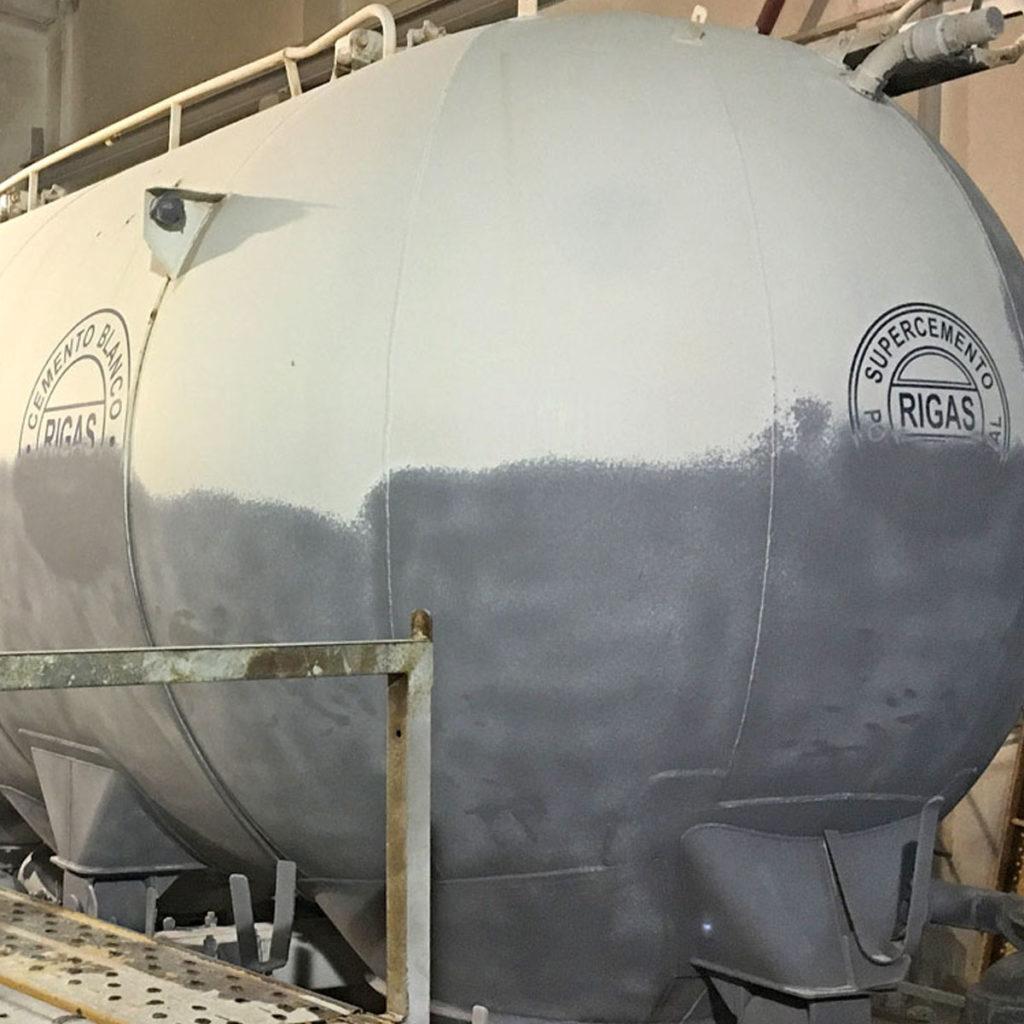 Arenado de ejes, imprimación y pintado de cisterna